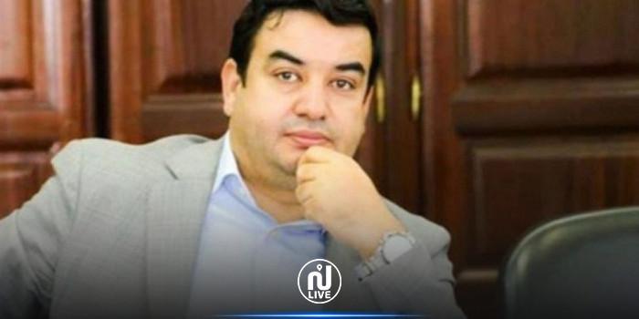 عياشي زمّال: عملية حرق الدستور ''جريمة جهل''
