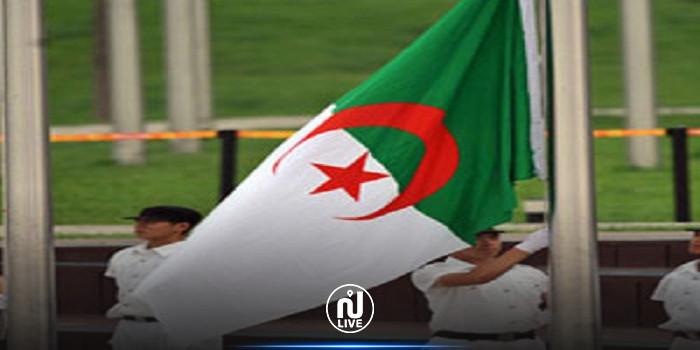 الرئيس الجزائري يعلن تنكيس العلم إثر وفاة بوتفليقة