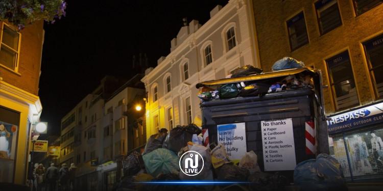 بريطانيا.. تراكم النفايات في برايتون عقب إضراب عمال النظافة