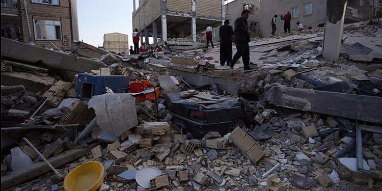 ايران: ارتفاع عدد ضحايا الزلزال إلى 400 قتيل و 6600 جريح