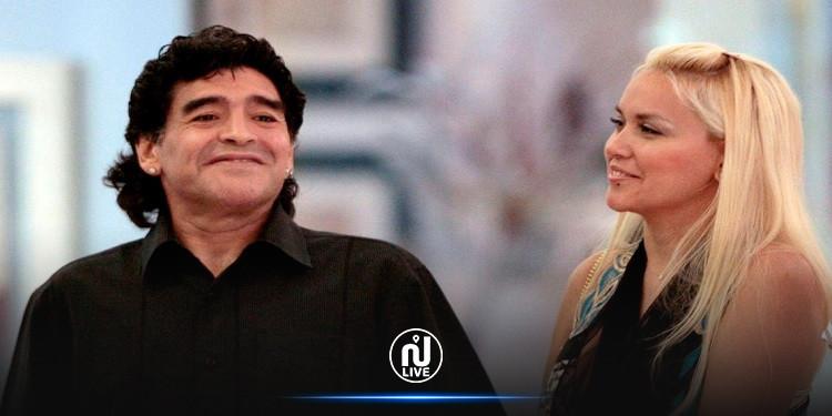 عشيقة مارادونا السابقة تتحدث عن صحته: ''لقد كان ثورا''