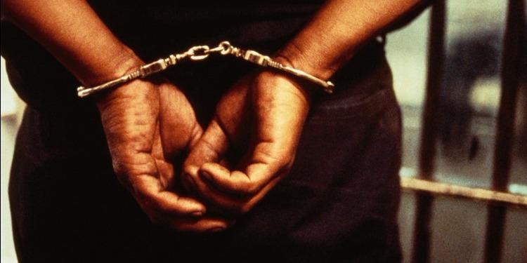 العوينة: القبض على أجنبي نفذ عملية براكاج لفتاة بعد تعنيفها في المصعد