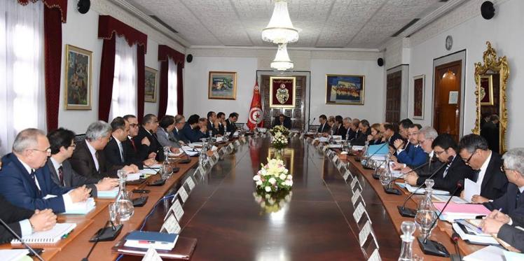 رئيس الحكومة يشرف على مجلس وزاري حول المخطط الخماسي للتنمية
