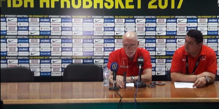 أفروباسكات: المدرب الوطني ينتقد أداء اللاعبين و يكشف نقطة ضعف المنتخب