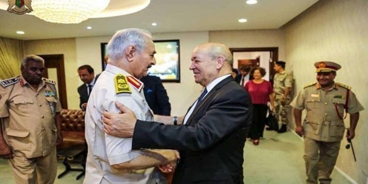 Khalifa Haftar s'entretient avec le ministre français des Affaires étrangères