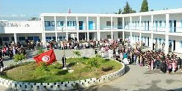 بن عروس: القبض على مواطن إقتحم مدرسة ابتدائية وتهجّم على مديرها