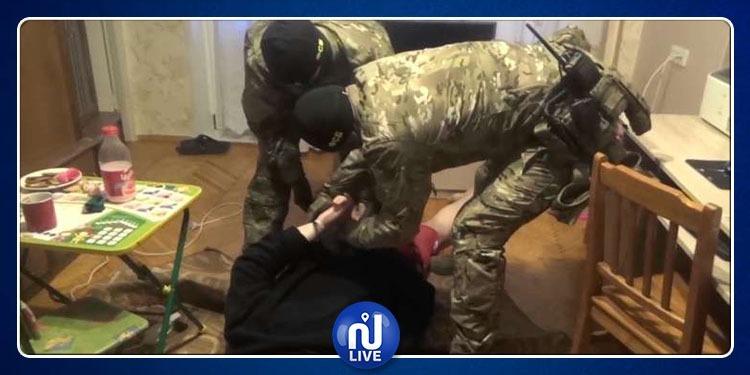 يشتبه في أنه جاسوس.. الأمن الروسي يعتقل أمريكيا في موسكو
