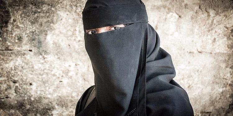 معاملة تؤدي إلى الانتحار... مصير الإرهابيات القبيحات في ''داعش''!