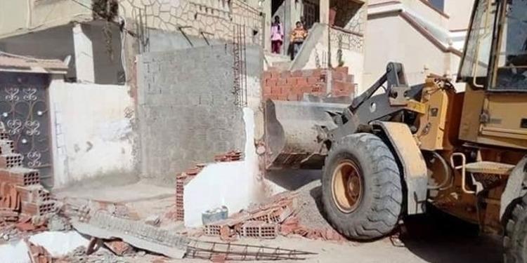 بنزرت: تنفيذ 3 قرارات بلدية لهدم وإزالة أشغال بناءات فوضوية