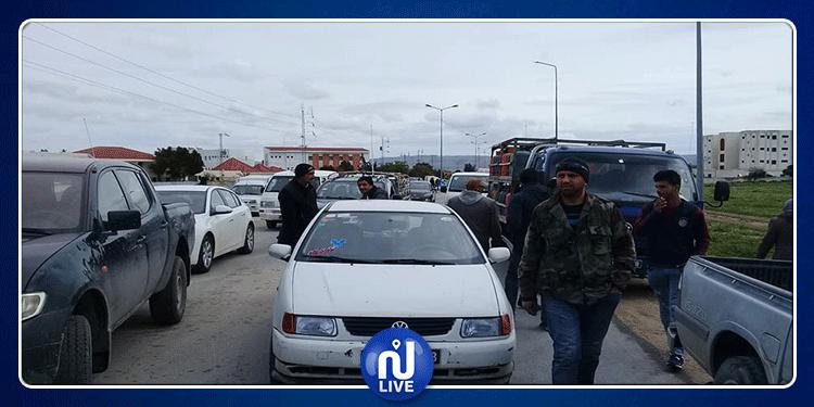 سليانة: غلق الطريق احتجاجا على الزيادة في أسعار المحروقات (صور)