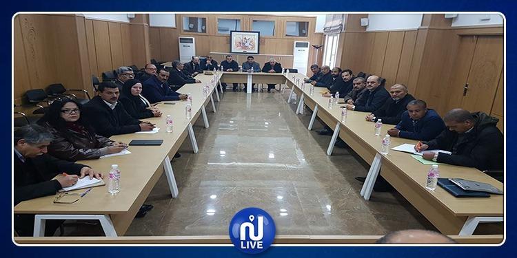 إنطلاق جلسة مجمعيْ الوظيفة العمومية والقطاع العام (صور)