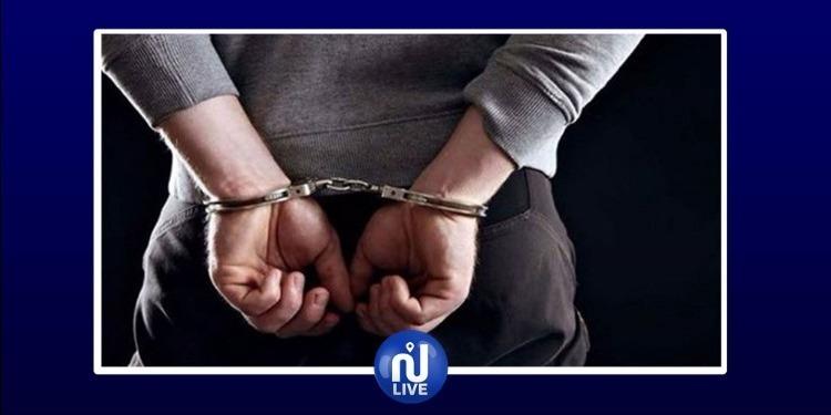 أريانة: القبض على محكوم بالسجنبحوزته أقراص مخدرة و'زطلة'
