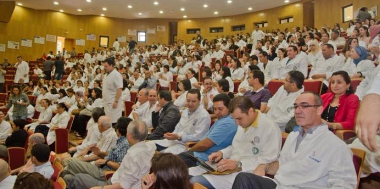 الأطباء يتجندون للدفاع عن المهنة النبيلة