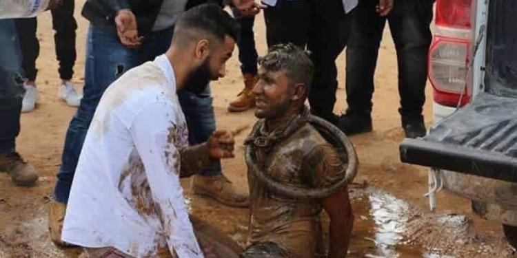 تنكيل وضرب بالبيض للطالب يوم تخرجه في هذا البلد العربي (صور)