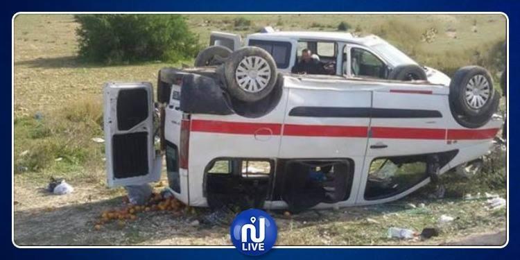 بينهم طفل.. إصابة 9 أشخاص في حادث اصطدام بين سيارة و'لوّاج'