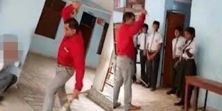 مدير مدرسة يضرب تلاميذه بشكل عنيف (فيديو)