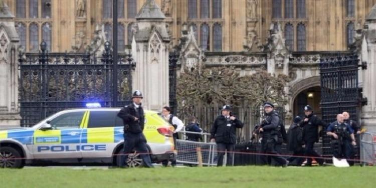 إخلاء البرلمان البريطاني بعد إنذار
