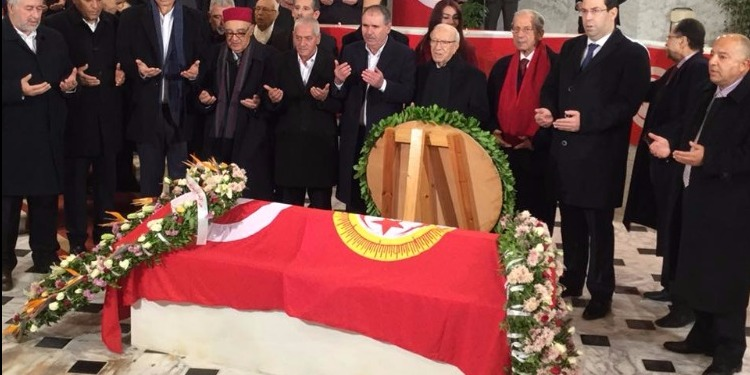 الباجي قائد السبسي يشرف على موكب إحياء ذكرى اغتيال الشهيد فرحات حشاد (صور)