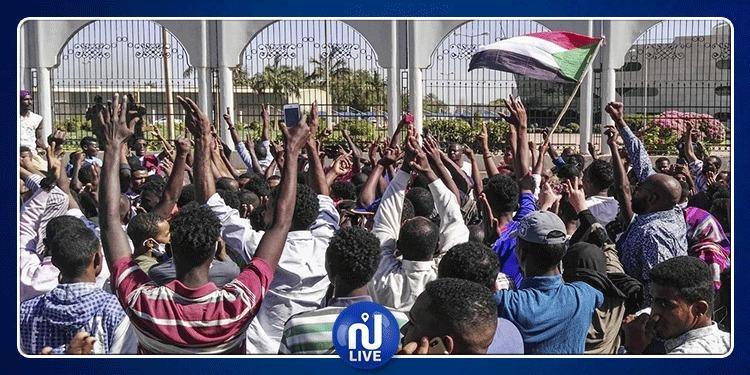 ما حقيقة تسلّم الجيش السلطة في السودان ؟