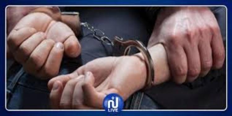 العاصمة: الإطاحة بمروج خمر صدر في حقه 10 مناشير تفتيش