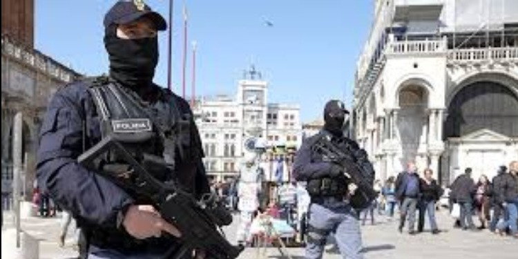 إيطاليا: إيقاف 3 طلبة تونسيين بشبهة الإرهاب