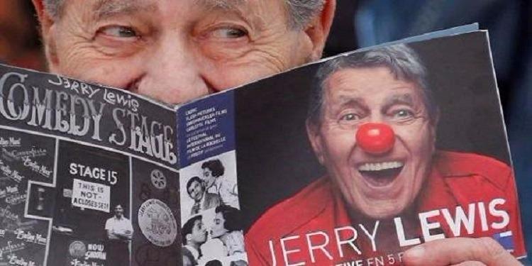 الموت يغيّب نجم الكوميديا الأمريكي جيري لويس
