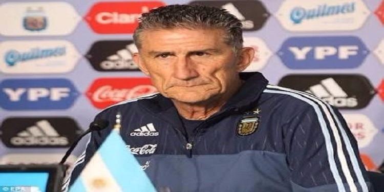 الإتحاد الأرجنتيني لكرة القدم يقيل إدجاردو باوزا من تدريب المنتخب الأول