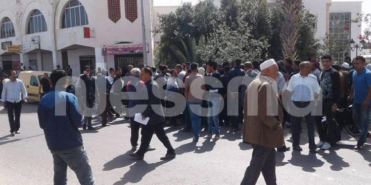 بن قردان : بعد منعهم من جلب سلعهم من ليبيا التجار التونسيون يعاملون الليبيين بالمثل (صور)