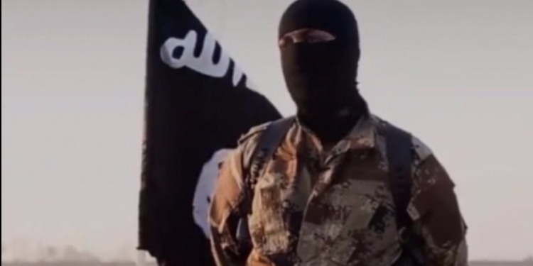 تنظيم داعش الإرهابي يعدم إرهابيا تونسيا ذبحا (صورة)