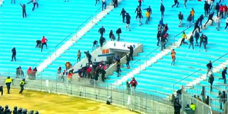الإفراج عن شاب من أحباء الترجي الرياضي تجاهر بما ينافي الحياء تجاه الأمنيين خلال 'كلاسيكو البطولة'