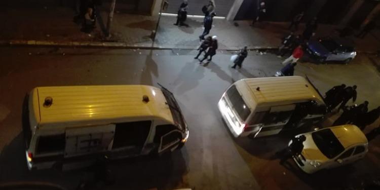 باب سويقة: مواجهات بين الأمن وجماهير الترجي الرياضي التونسي (فيديو)
