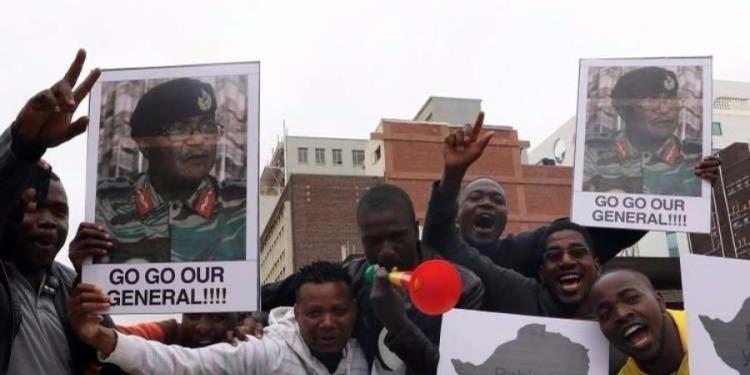 زيمبابوي: احتفالات في الشوارع تمهيدا لإقالة الرئيس موغابي