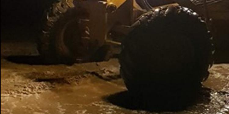 سيدي بوزيد: مصالح التجهيز والحماية المدنية تتدخل لشفط مياه الأمطار (صور)