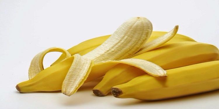 لا تلقها في القمامة.. تعرف على فوائد قشور الموز