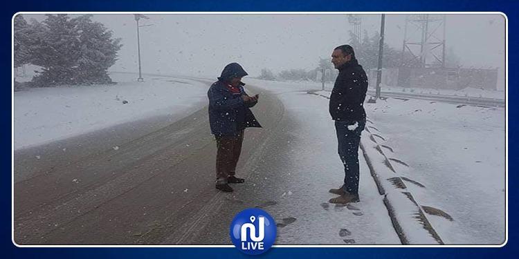سليانة: سُمك الثلوج يبلغ 5 صم وإزاحة السيارات العالقة بالطريق