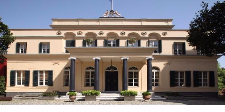 تركيا تغلق سفارة هولندا وقنصليتها في اسطنبول