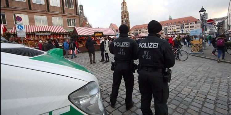 الشرطة الألمانية تخلي سوقا لعيد الميلاد في بون