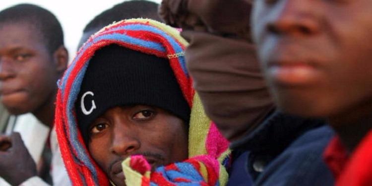أطباء يحذرون الجزائريين من 12 مرضا خطيرا بسبب المهاجرين