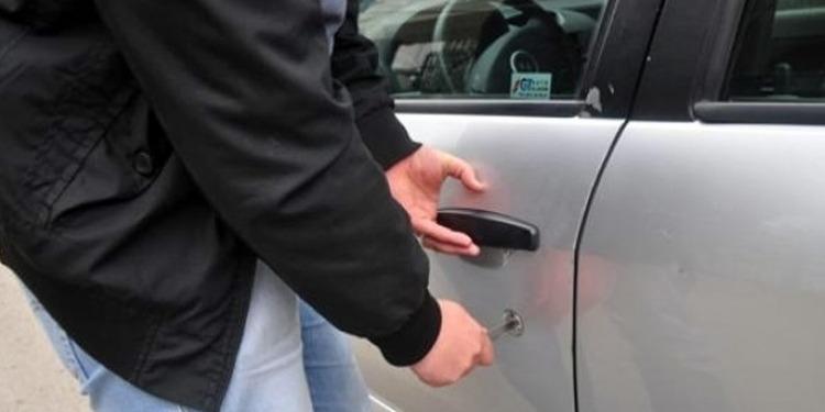 القبض على عصابة مختصة في سرقة السيارات بالعاصمة