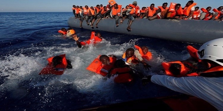 في أصعب عمليات الإنقاذ بالمتوسط : خفر السواحل الأوروبي ينقذ 2074 مهاجر غير شرعي