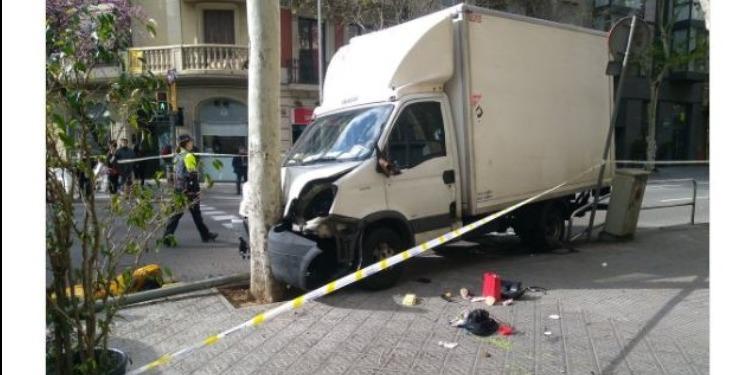 عملية دهس لحشد من المارة في برشلونة