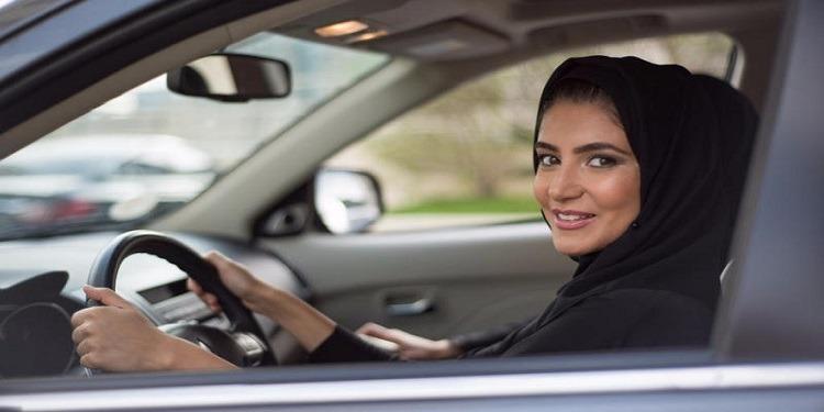 السعودية :البدء في أول الدورات التدريبية لتعليم السياقة للنساء