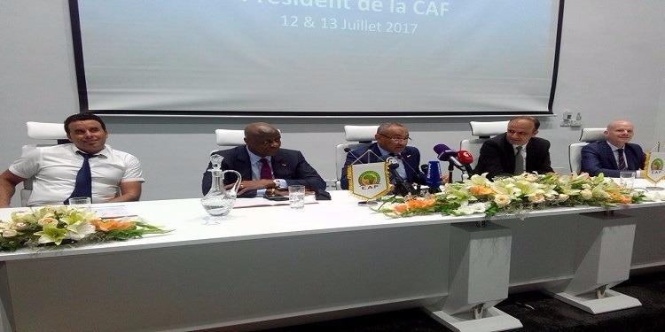 في لقاء مع وزيرة شؤون الشباب والرياضة: رئيس الكاف يعبر عن اعجابه بتطور كرة القدم التونسية
