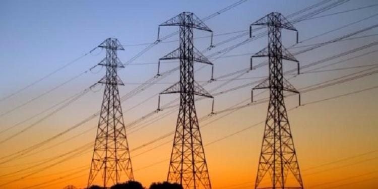 سليانة - بسبب الأمطار والرياح : إنقطاع التيار الكهربائي في عدد من المعتمديات وإنقطاع تام في برقو