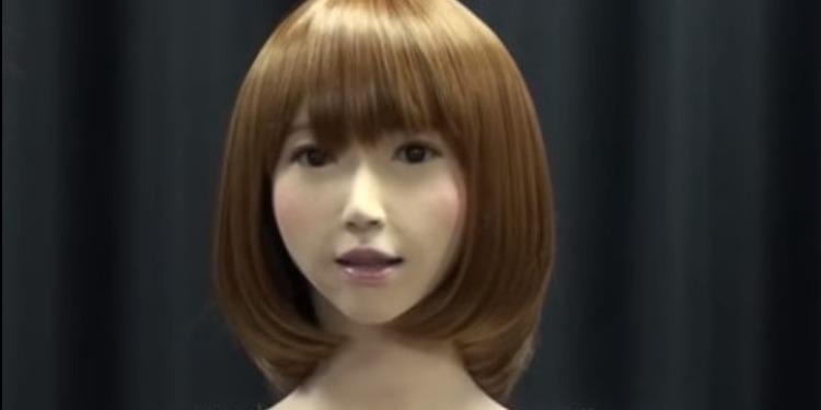 ''روبوت'' يابانية ستحلّ مكان مذيعي الأخبار ! (فيديو)