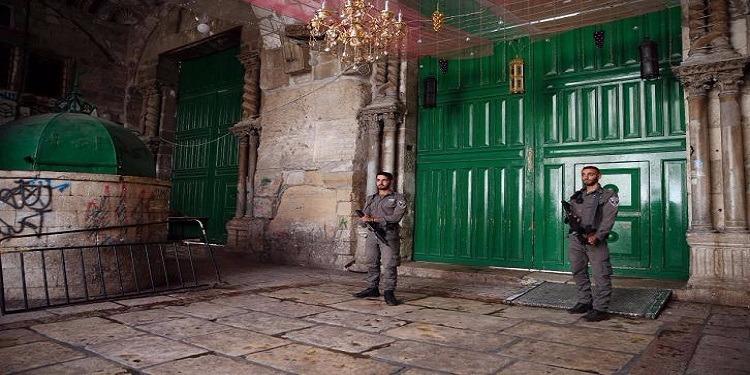 شرطة الكيان الصهيوني تحتجز هويات جميع من يدخل إلى المسجد الأقصى