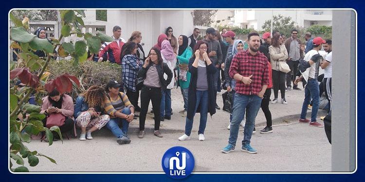 موظفو قناة نسمة يحتجون أمام الهايكا (صور+فيديو)