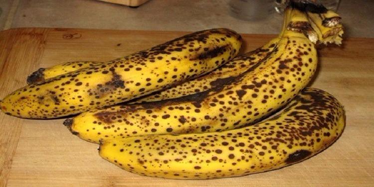 هذا ما تعنيه البقع الداكنة على الموز!