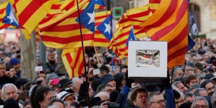 إمكانية تأجيل لقاء برشلونة ولاس بالماس بسبب استفتاء كتالونيا