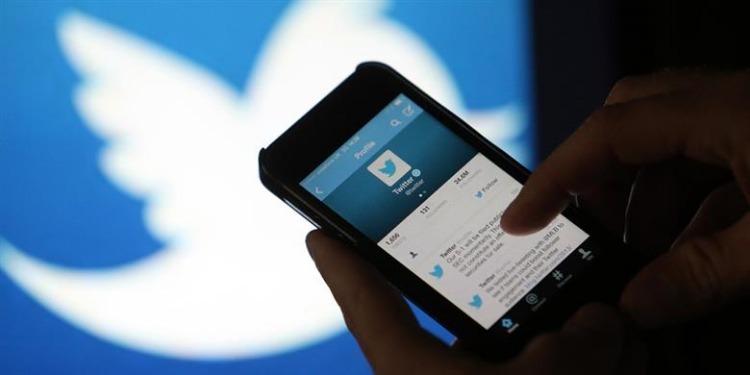 تويتر يحذف أكثر من مليون حساب يروّج للإرهاب